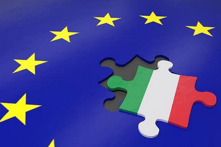 Bandiera UE e Italiana a modo di puzzle
