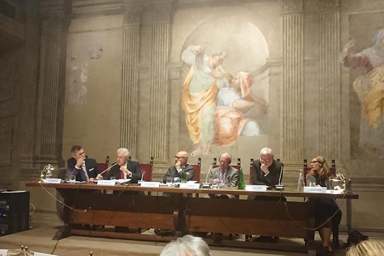 Evento presso l'Istituto Sturzo. Fila di relatori al convegno sulla democrazia in Europa