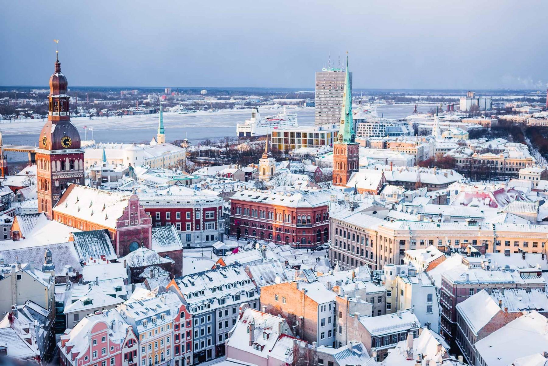 Vista di Riga dall'alto in inverno